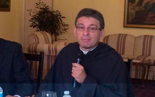 Gobierno traspasa tierras a iglesia católica de Colón por $1.2 millones
