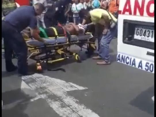 Bomberos atropellan a peatón en Villalobos
