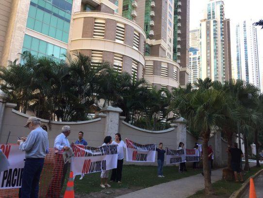 Protestan por construcción de edificio en Punta Pacífica