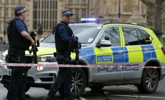 Suspenden Sesión de Parlamento Británico por tiroteo