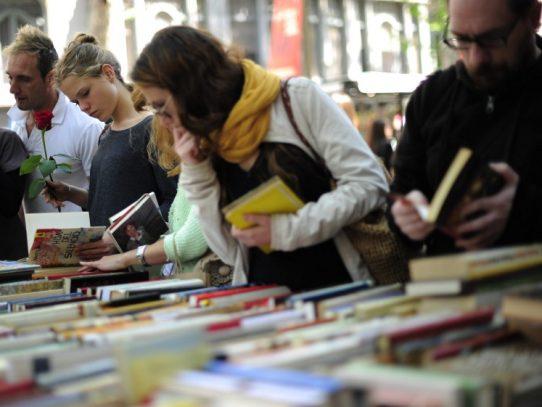 El Día del Libro y la Rosa, la tradición catalana que quiere ser universal