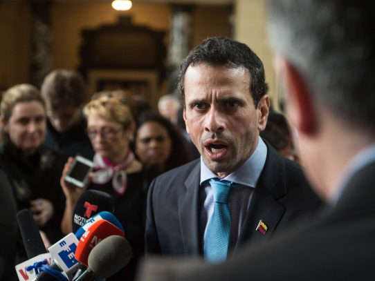 Gobierno de Maduro inhabilita posible candidatura de Capriles