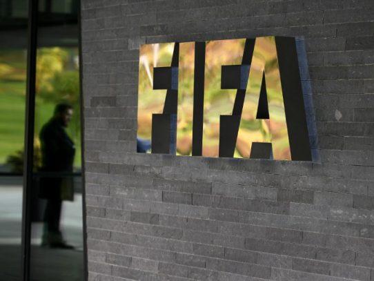 Escándalos en la FIFA revierte con bajas económicas durante 2016