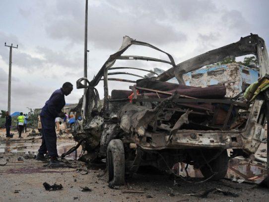 Atentado con coche bomba en Somalia deja 10 muertos