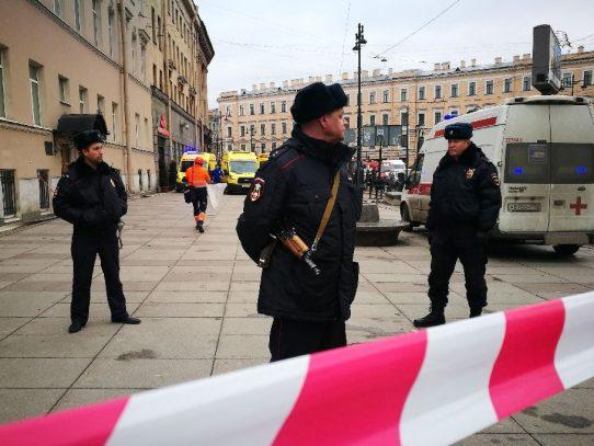 Mueren 10 personas tras explosión en metro de San Petersburgo