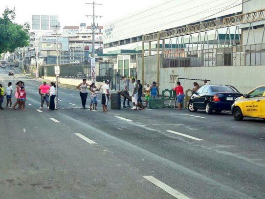 Antimotines remueven a moradores de Cabo Verde tras protestas