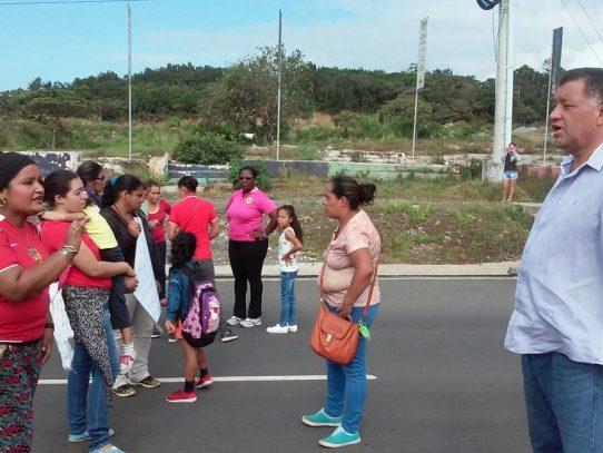 Protestan por falta de mobiliario en escuela inaugurada en Boquete