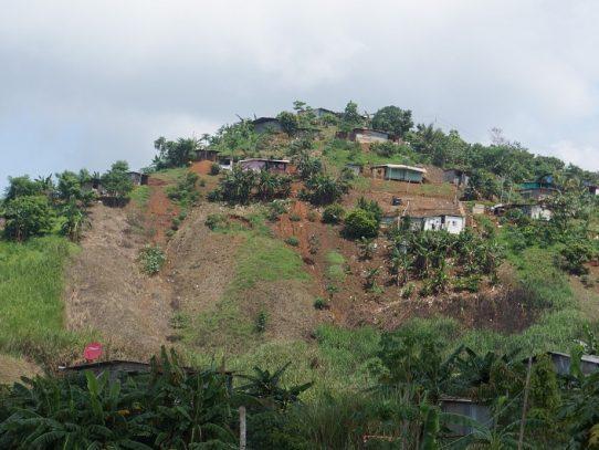 Invasores de Cerro Galera se encuentran en peligro según Sinaproc