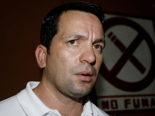 Guillermo Ferrufino renuncia al CD por divergencias con la directiva del colectivo