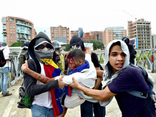 Jornada sangrienta eleva a 28 los muertos por la crisis en Venezuela