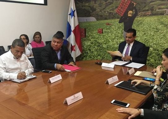 Mitradel instala comisión para responder situación laboral de afectados por dietilenglicol