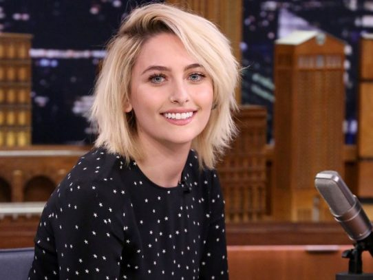 Paris Jackson advierte sobre peligro de la serie '13 Reasons Why'