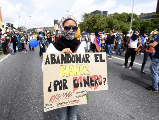 Violencia descontrolada arma de doble filo para gobierno y oposición venezolana