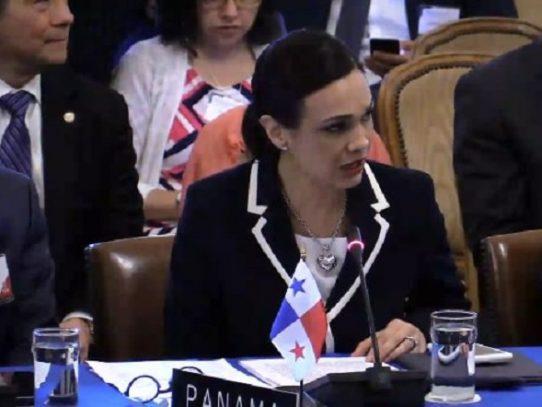 Panamá deplora convocatoria a constituyente en Venezuela