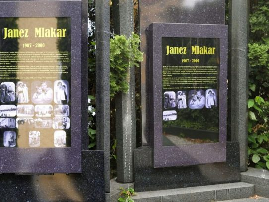 Primera lápida sepulcral digital en Eslovenia