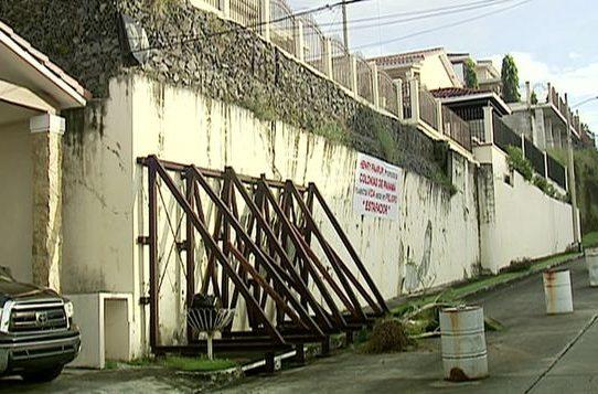 SPIA critica alcalde de San Miguelito por muro en barriada Bosque de Cibeles