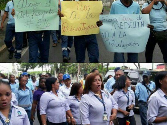 Trabajadores del IDAANen colón, marchan contra proyecto de privatización