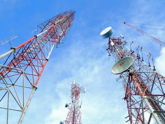 Empresas de telecomunicaciones son demandadas por caso de antenas en Colón