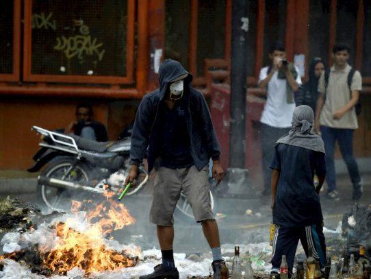 Manifestantes quemaron 50 toneladas de alimentos en Venezuela