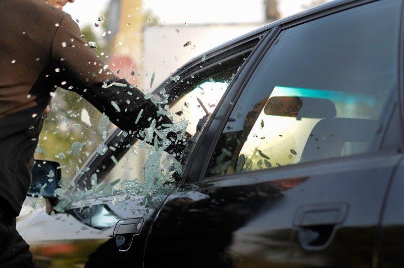 Pasarán 78 meses presos por robarse un auto