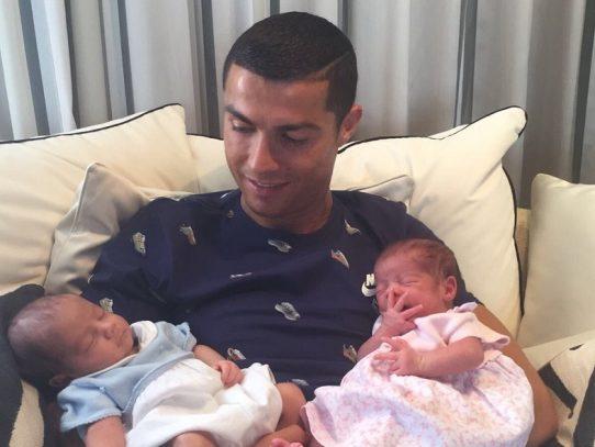 Cristiano Ronaldo renunciar a jugar un partido para conocer a sus gemelos