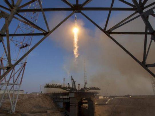 """Nave no tripulada rusa """"Progress"""" abastece a la ISS"""