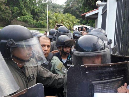 Trabajadoras Sexuales detenidas tras marchar para exigir mejor trato policial