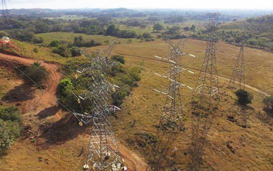 Reportan falta y bajones de energía eléctrica en Panamá