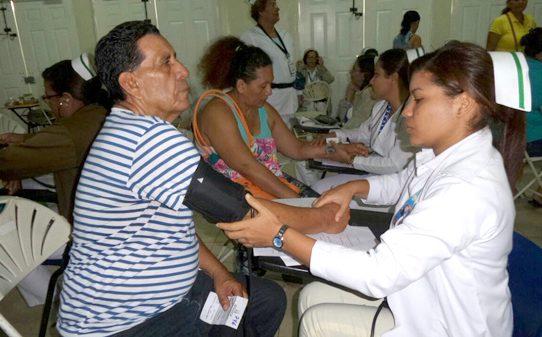 Minsa y la CSS realizan Censo de Salud Preventiva en el  gimnasio Roberto Durán
