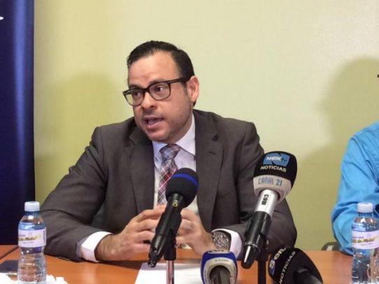 Régulo Valdés renuncia a la Coordinación de Hemodiálisis, de la CSS por irregularidades