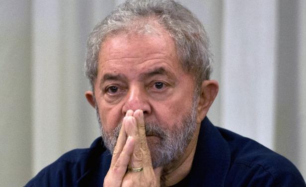"""Abogados presentan """"habeas corpus"""" para evitar prisión de Lula"""