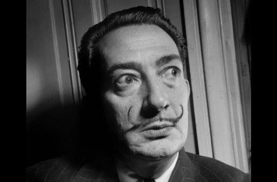 Exhuman los restos de Salvador Dalí por una demanda de paternidad