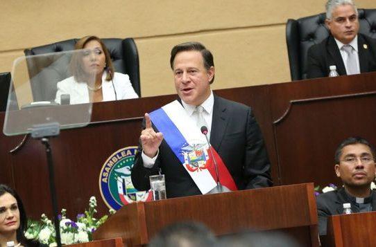 Varela, nuevamente entre los presidentes peores evaluados según encuesta de CID Gallup
