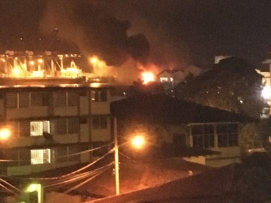Se incendia bodega en el área de France Field en la Zona Libre de Colón