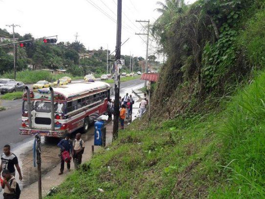 Ladera peligrosa, moradores de Los Lagos en Colón, piden pronta solución al MOP