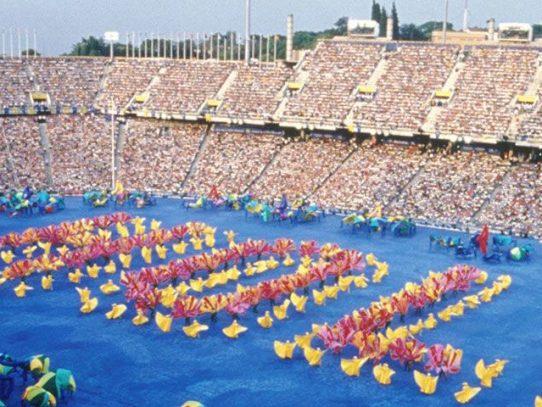Barcelona celebra los 25 de su JJOO en un ambiente enrarecido
