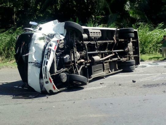 Aparatoso accidente en las Lajas deja más de una decena de heridos