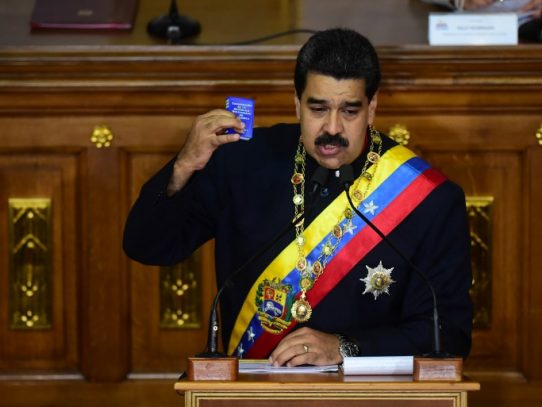 Maduro es incluido en lista de riesgo por blanqueo de capitales de Panamá