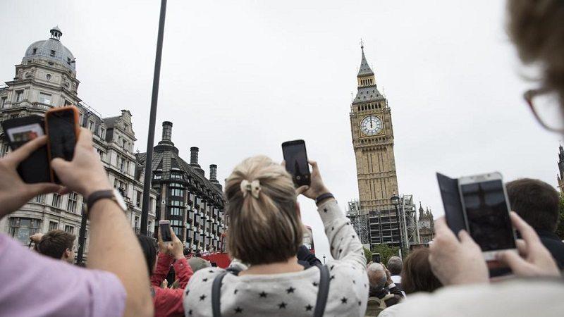 Reino Unido vacunará a los adolescentes de 16-17 años contra el covid-19