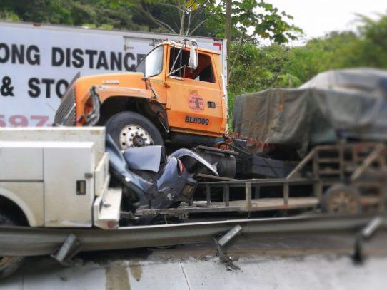 Aparatoso accidente de transito en la Vía Centenario deja un muerto