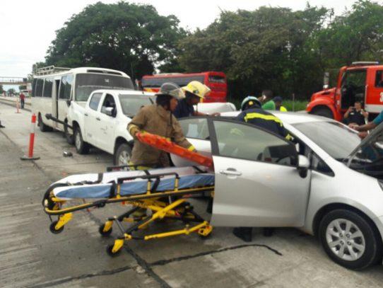 15 heridos tras colisión múltiple en Coclé