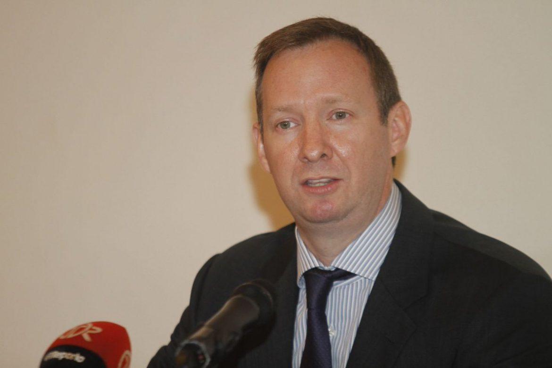 Cambian medida cautelar a exministro Frank De Lima