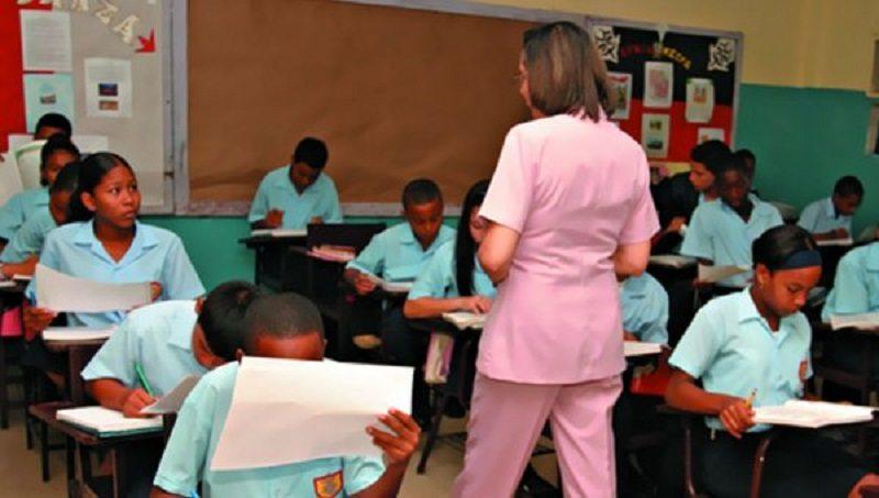 Meduca pide denunciar el cobro por cupos y concursos de docentes