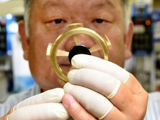 """Empresa japonesa saca un """"hand spinner"""" de lujo, que rueda más de 12 minutos"""
