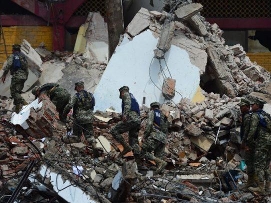 Aumenta a 58 el número de víctimas mortales por sismo en México