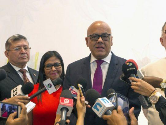 Delegados de Maduro y la oposición en Dominicana para explorar diálogo
