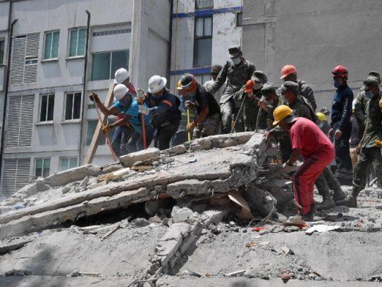 Sin tregua, México intenta desenterrar sobrevivientes tras devastador sismo