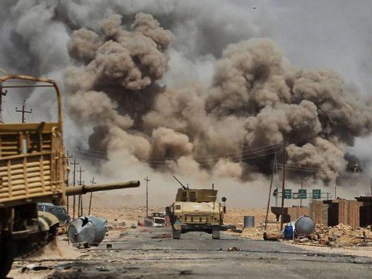 Hezbolá acusa a coalición anti-EI de bloquear un convoy de yihadistas en Siria