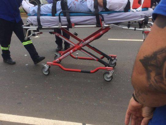 Varios heridos de gravedad tras colisión de Mustang con camión articulado en Chitré