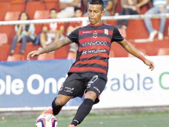 Mantienen detención provisional al futbolista Darwin Pinzón tras presunto robo